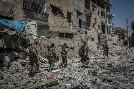 «Американцы сидят с ИГИЛ в одних окопах»? Россия обличает США
