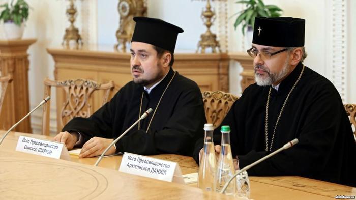 Экзархи Вселенского патриархата на Украине архиепископ Даниил Памфилийский (справа) и епископ Иларион Эдмонтонский