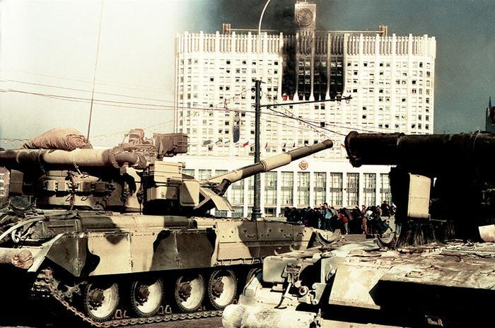 танки по парламенту