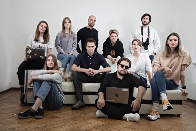 Важные истории  продолжают работать после обысков, которые ФСБ провела дома у Романа Анина и в редакции
