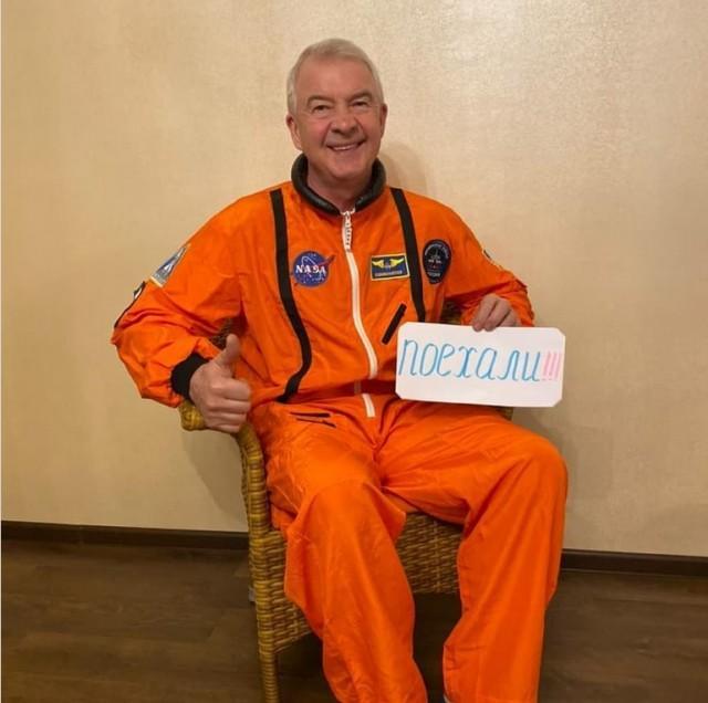 Петербургский депутат в День космонавтики сфотографировался в костюме NASA