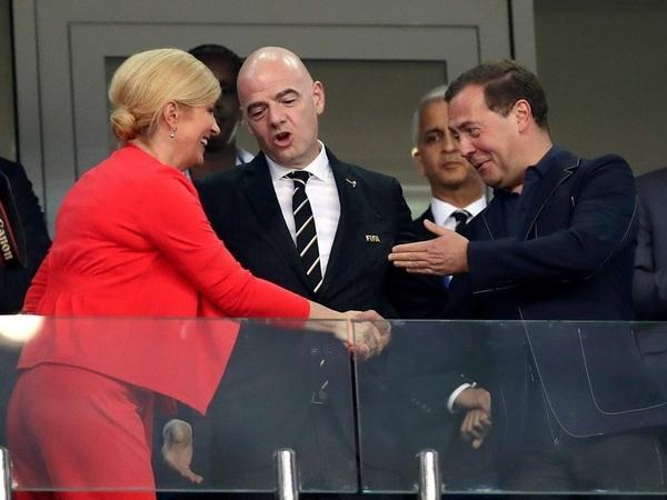 Если ФИФА запретит всех красивых болельщиц, у нас останется президент Хорватии