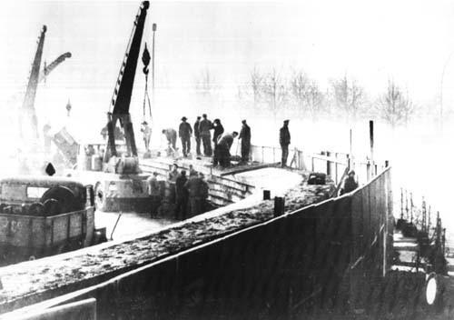 Возведение Берлинской стены. 20 ноября 1961 года. Фото: © Wikipedia