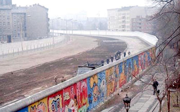 Вид на стену со стороны Западного Берлина. 1986 год. Фото: © Wikipedia