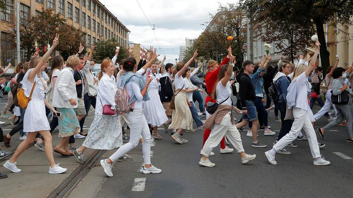 Работники скорой помощи присоединились к протестам в Минске