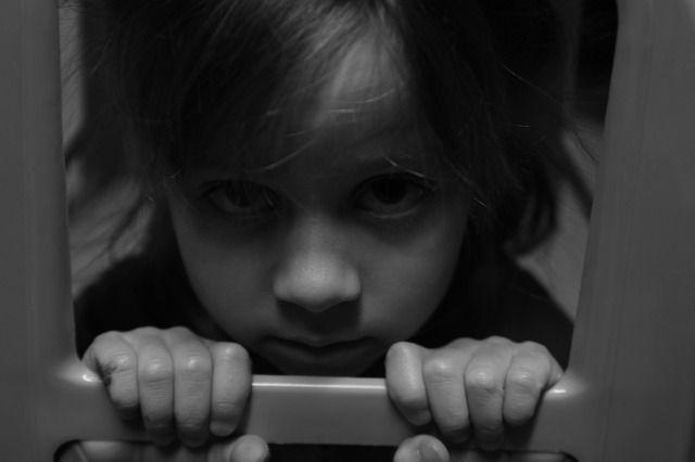 Гиперопека и контроль. Какие методы воспитания могут сломать ребёнку жизнь