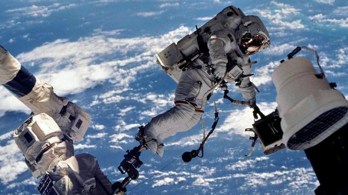 Майкл Фоул в общей сложности провел в космосе более года
