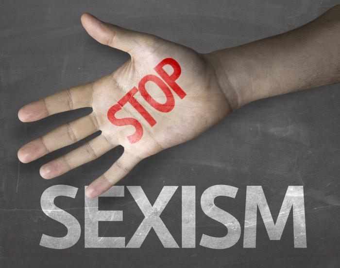 «Слабый пол»: чем «положительный» сексизм отличается от непреднамеренного