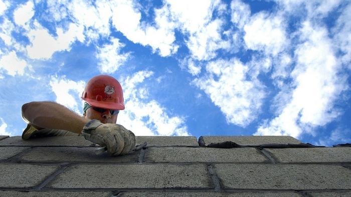 Украинцам запретят строить дома из материалов, не одобренных Евросоюзом и США