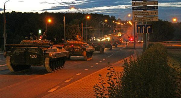Колонна военной техники в Гродно