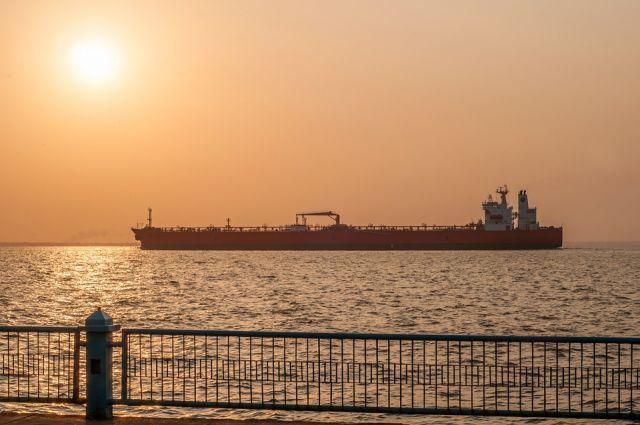 США задержали четыре танкера с иранским топливом