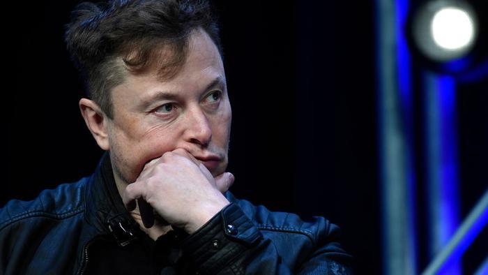 Глава SpaceX упрекнул конкурента в растрате денег налогоплательщиков