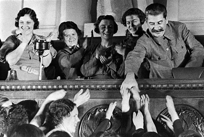 Сталинизм глазами врагов советской власти:  Народ обманут не был