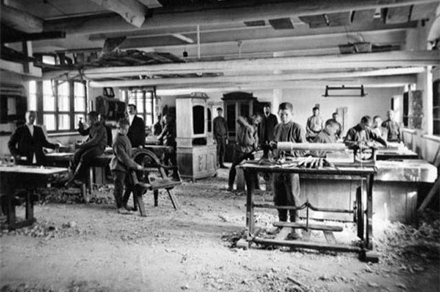 Мебельная мастерская Рукавишникова.