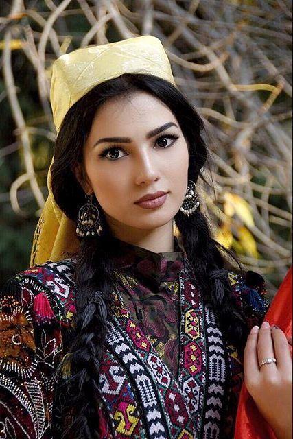 Таджички