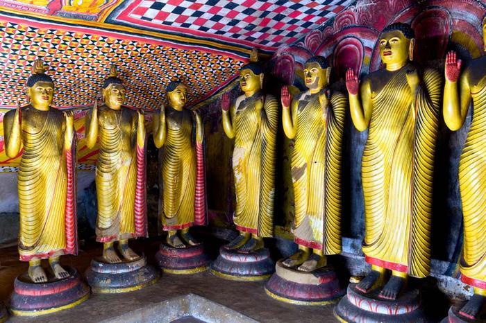 Золотой храм Дамбулла в Шри-Ланке