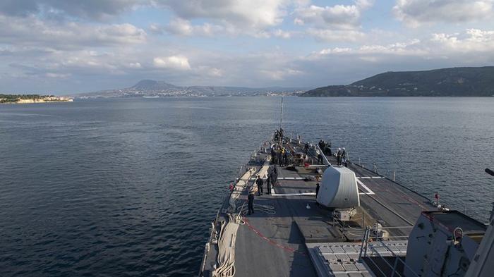 Проход отменён: Два эсминца США не дошли до Чёрного моря