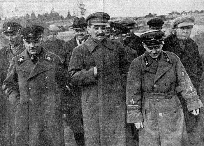 Сталин, которого мы не знаем. Редкие, а так же не публиковавшиеся ранее фотографии Вождя и его окружения