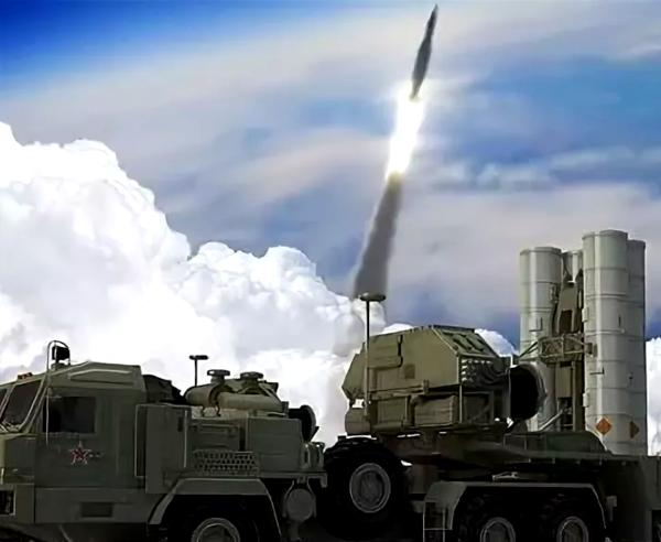 фото:кадр из видео. пуск ракет с-500