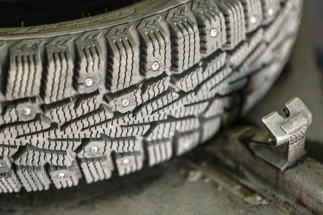 В Госдуме предложили поднять цены на шипованную резину