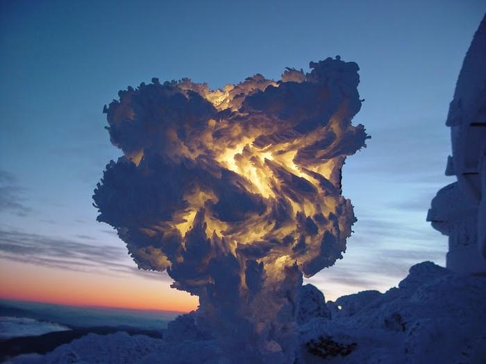 Уличный фонарь, покрытый слоями льда и инея. Гора Вашингтон, штат Нью-Гэмпшир, США без фотошопа, природа, удивительные фото, человек