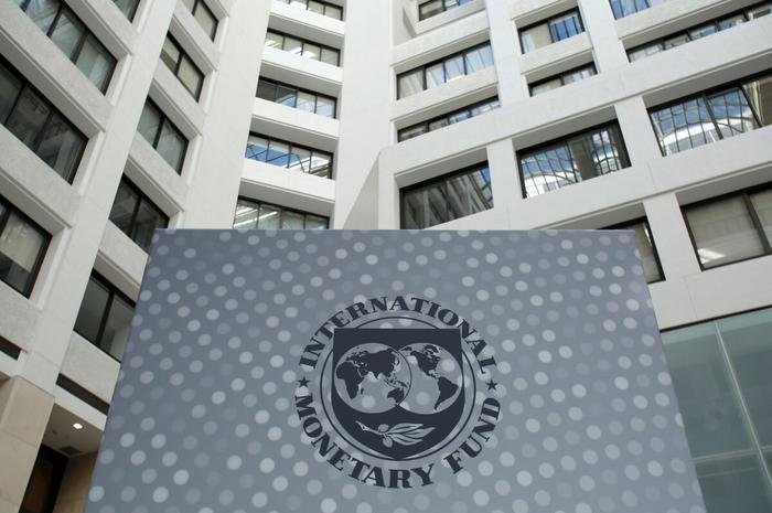 Могут ли МВФ и США заставить Путина выполнять их волю? Нет, не могут