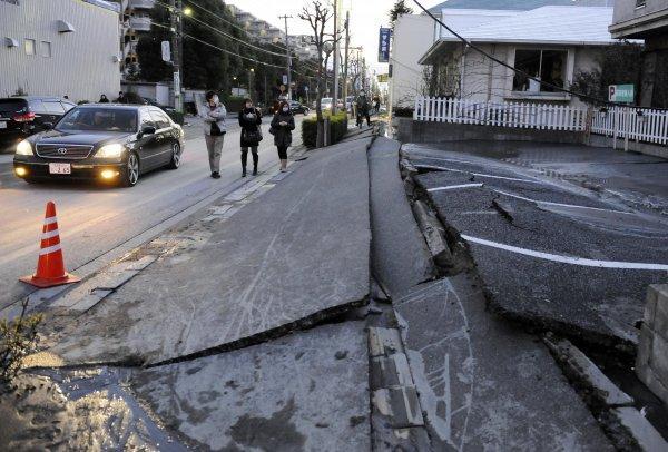 последствия землетрясения в Японии 15 апреля 2016 года