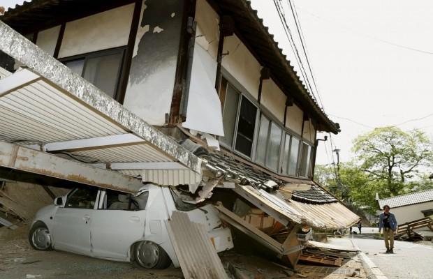 Япония после землетрясения 14.04.2016 фото и видео