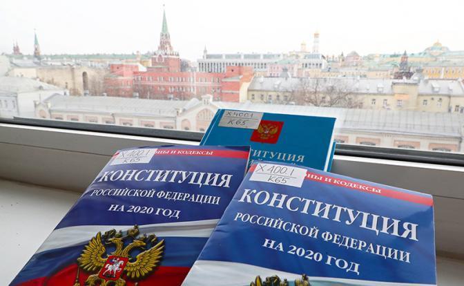 Путин предотвратил госпереворот, отправив Медведева в отставку