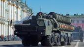 Цивилизационный фундамент России тогда не расползся окончательно благодаря ....