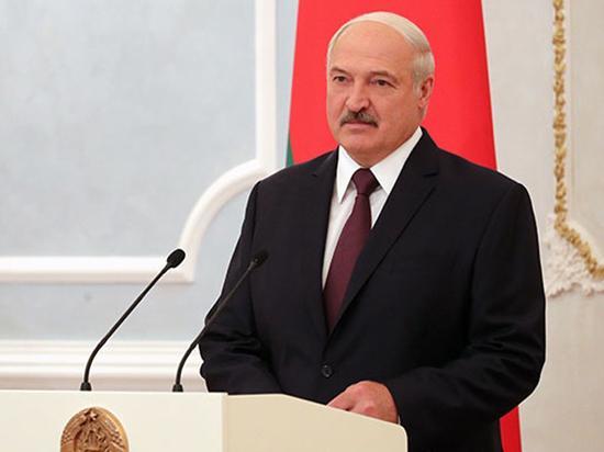 «Лукашенко считает, что Россия скоро развалится»