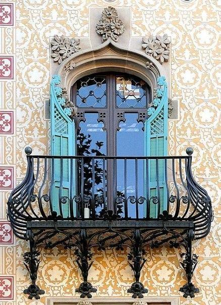 Балконы и эркеры Барселоны. 1