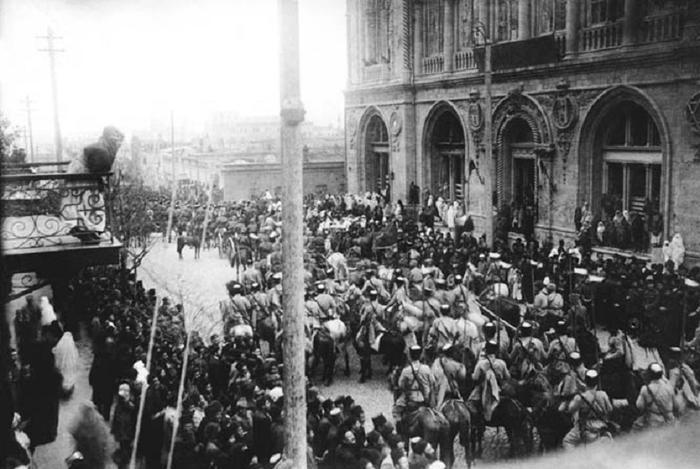 Турецкие и азербайджанские войска входят вБаку. 1918 год.