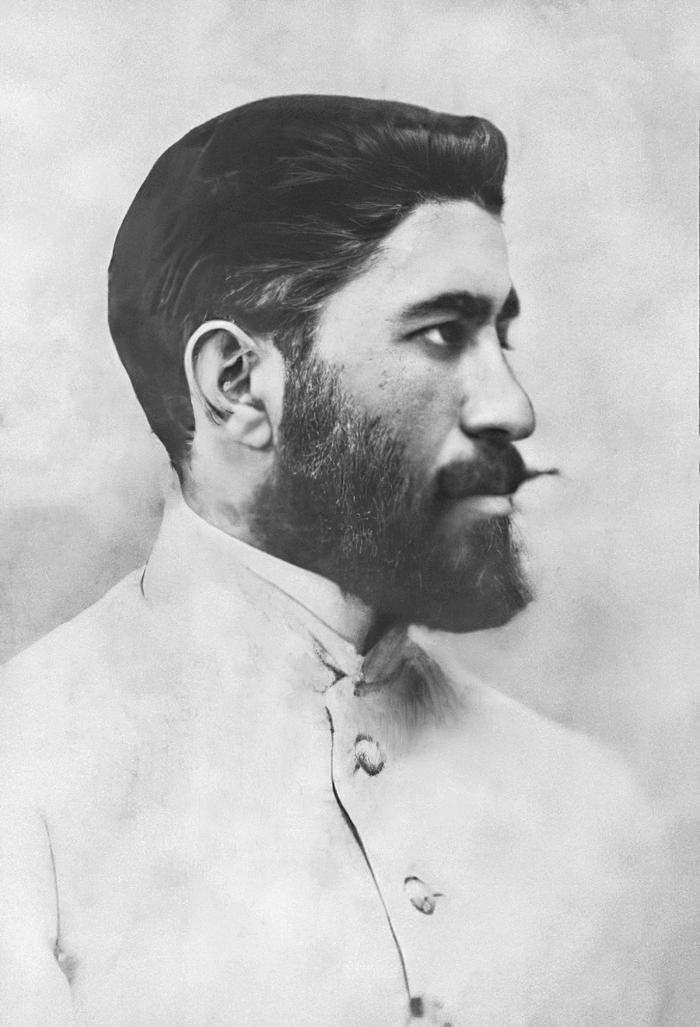 Хосров-бек Султанов.