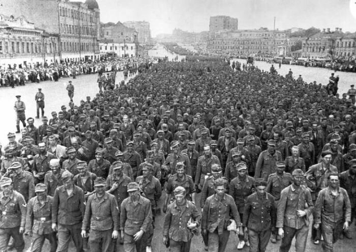 Марш немецких пленных по Москве, 1944 год.