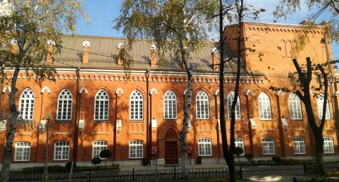 Здание выстроено из добротного кирпича. /Фото: kavkaz-uzel.eu