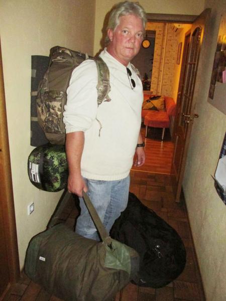 7 декабря 2014 года. Первая ночь в Донецке. Рассел прибыл автобусом из Ростова. Он продал все свое имущество в США и купил военное снаряжение