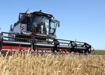 Производство тракторов и комбайнов резко ускорилось