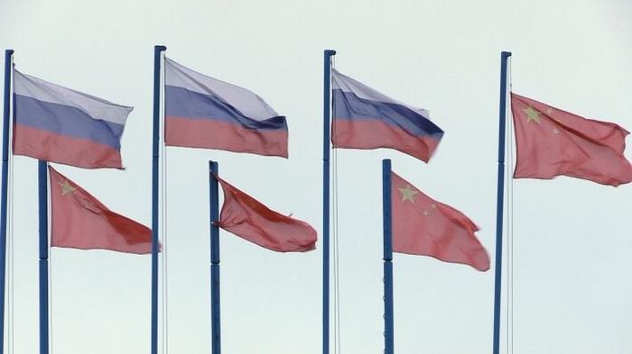 РФ и КНР могут продолжить путь к отказу от доллара США