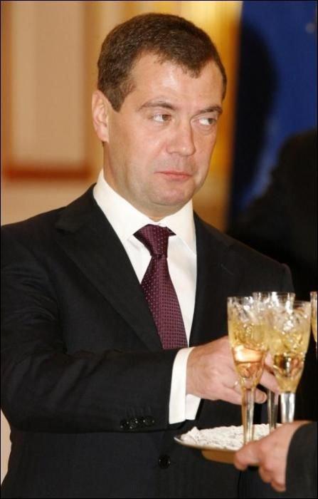 Подборка смешных фотографий с участием Дмитрия Медведева