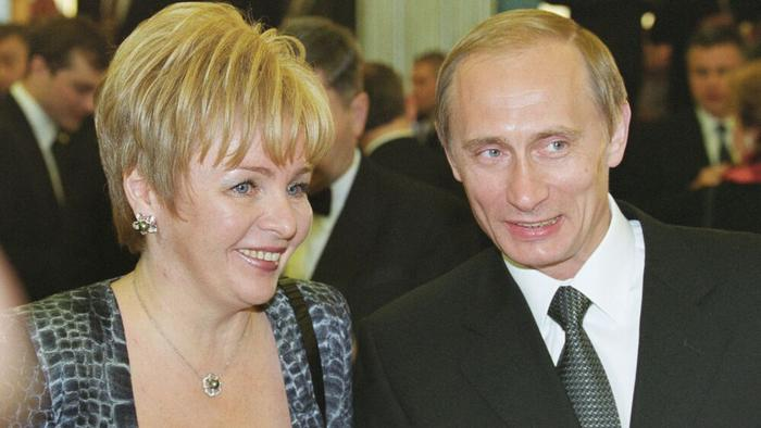 Навальный сделал расследование про дворец, взяв информацию у «желтой» прессы