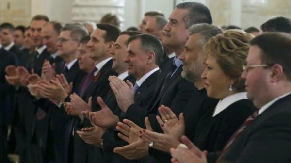 Депутаты и сенаторы собрались в Манеже, чтобы отрепетировать овации к Посланию Президента Федеральному Собранию