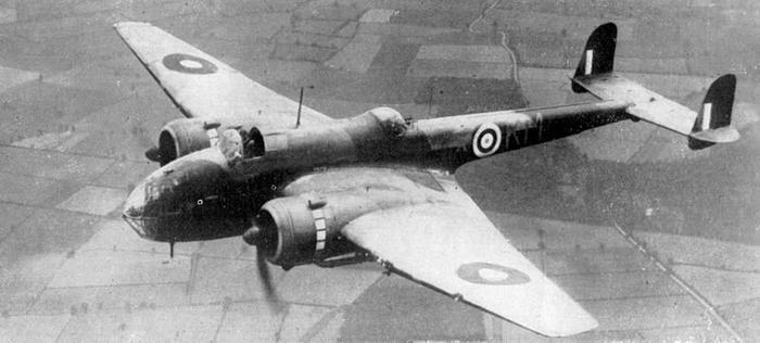 Хэндли Пейдж HP.52 «Хэмпден», британский двухмоторный бомбардировщик, состоявший на вооружении Королевских ВВС во время Второй мировой войны. Участвовал в первом налёте на Берлин. Взято из свободных источников.