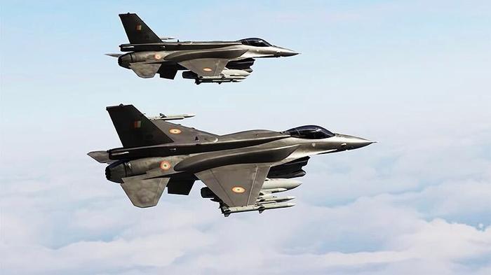 Пилоты истребителей США рассказали о том, почему они так боятся российских пилотов при перехватах у российских границ.