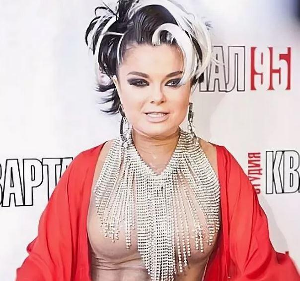 rossiya-golaya-natalya-koroleva-intim-izvrashenok-domashniy