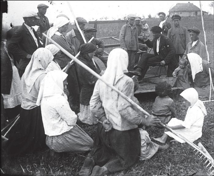Собрание колхозников, Донецкая обл., середина 30-х