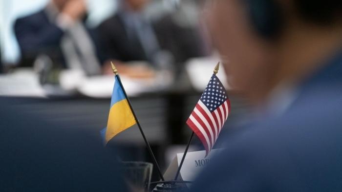 США намерены взять ситуацию в Донбассе полностью в свои руки