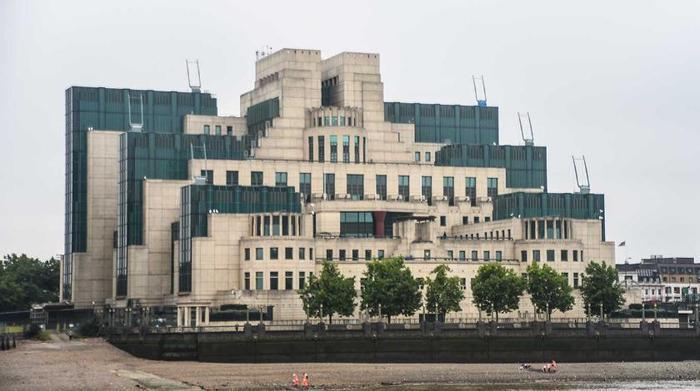 МИ6 разыскивает на базе подлодок в Шотландии российских шпионов