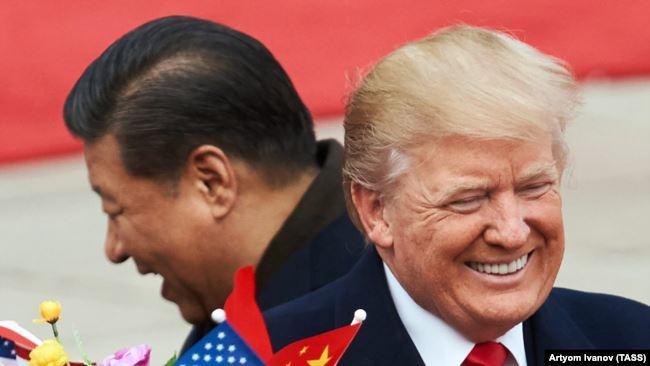 Си Цзиньпин и Дональд Трамп во время встречи в Пекине 9 ноября 2017 (архив)