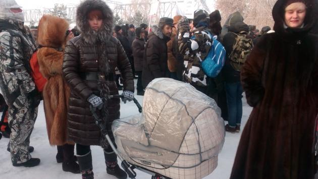 Анна Щербицкая пришла на акцию протеста с двухмесячным ребенком